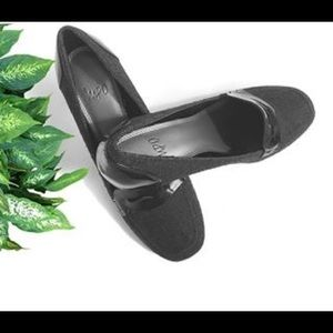 Women Shoes, Size 8, Black Leather & Gray Tweed
